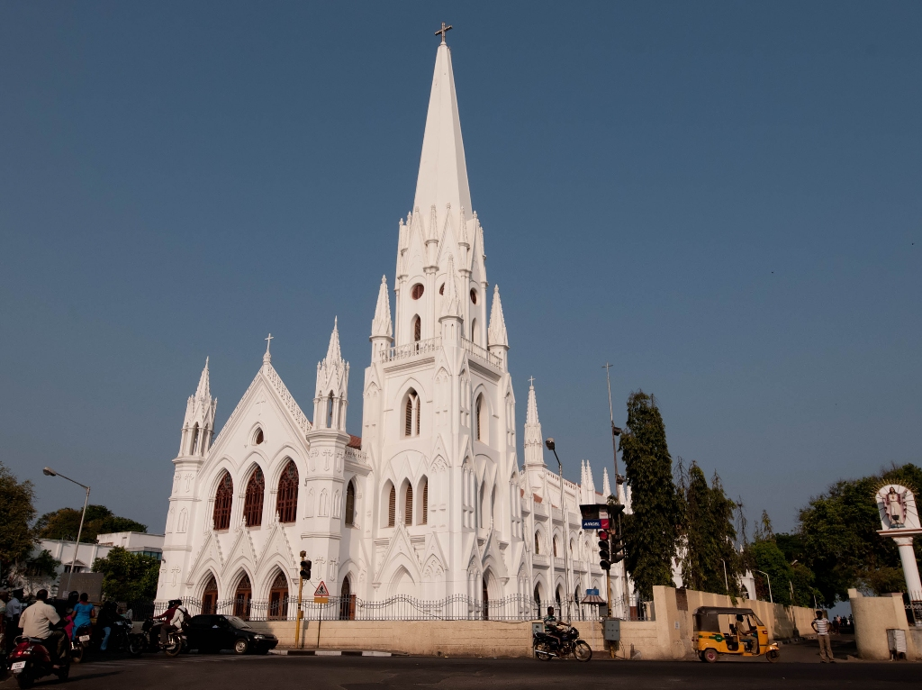 Visit The Crypt Of St Thomas At Santhome Basilica In Chennai
